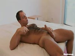 Hairy Muscle Guy Stuffs Dildo Up This Ass