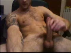 WEBCAM TATTOO GUY WANKS ON WEBCAM WITH HUGE MONSTER COCK DICK