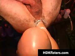 Gratis Very Intense Queer Fisting Videos 1 By HDKfisters