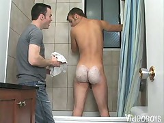 Alec Winfield Ass-Scaping